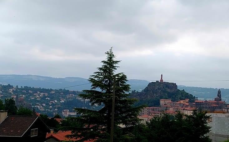'Petite grimpette pour se mettre en jambes et quitter Le Puy