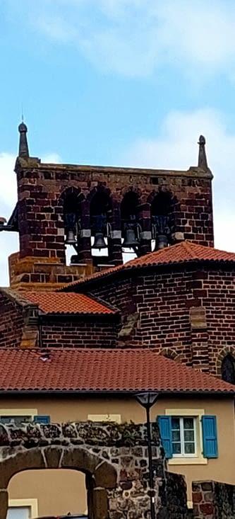 Saint-Christophe-sur-Dolaison, et son clocher à 4 arcades