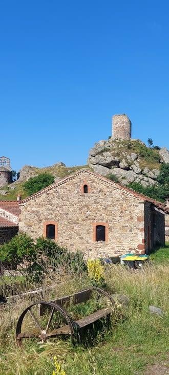Rochegude, sa  tour de l'ancien château, seul vestige
