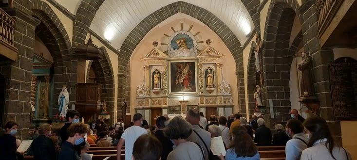 Le temps de faire 2-3 courses, passer à l'église, en pleine messe, ...