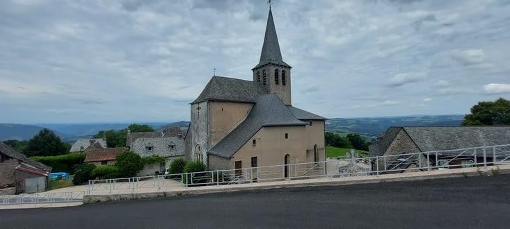 Golinhac, en principe à 6 km du Soulie,... ce qui nous laisse  trainer une longue pause...