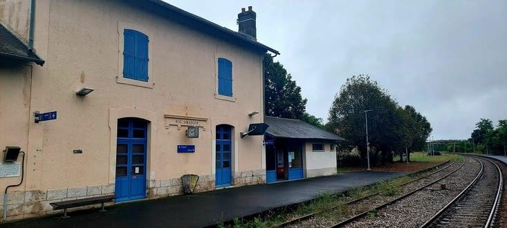 La gare de Rocamadour, a 4km, posée au bord des voies