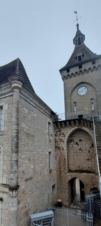 On profite de ces moments pour visiter encore Rocamadour, avant l'arrivée des touristes