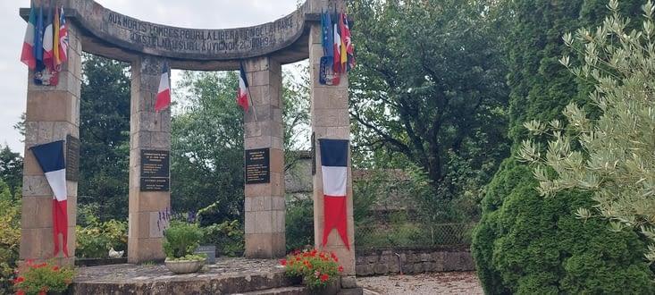 Le village à été le théâtre d'une étude bataille lors de la 2e guerre mondiale...