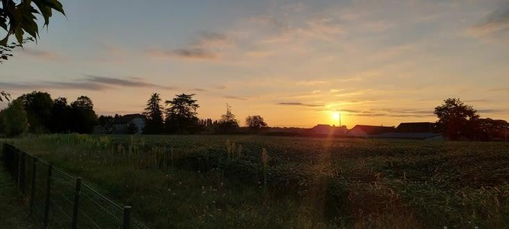 Départ à 08.00 ce matin, ce qui me permet de partager mon premier lever de soleil