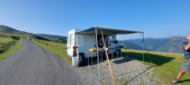 Le food- truck du col d'Elhursaro, 1181m