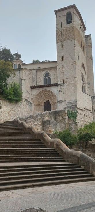 L'église Saint André.., et ses escaliers