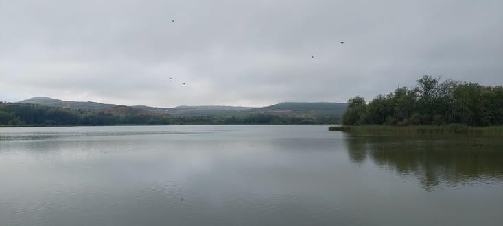 Le Lac de la Grajere, réserve d'eau, zone de repos et réserve naturelle.