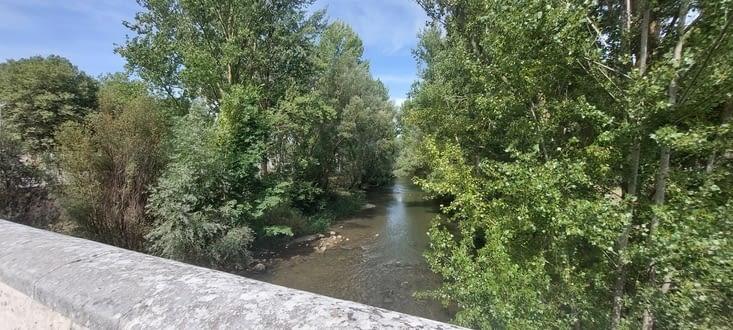 La sortie de Burgos est plaisante, c'est une zone de détente très bien aménagée