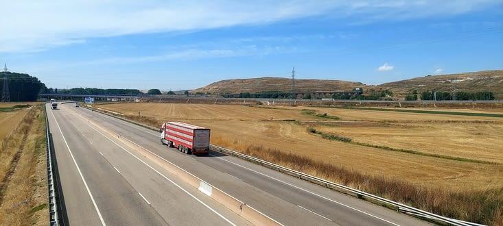 Quand un chemin croise une autoroute