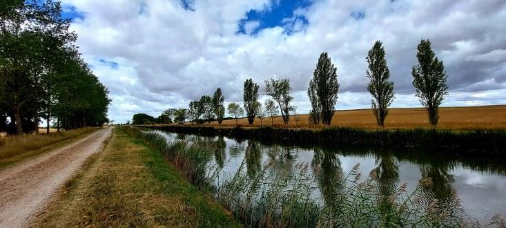 Le Canal de Castilla