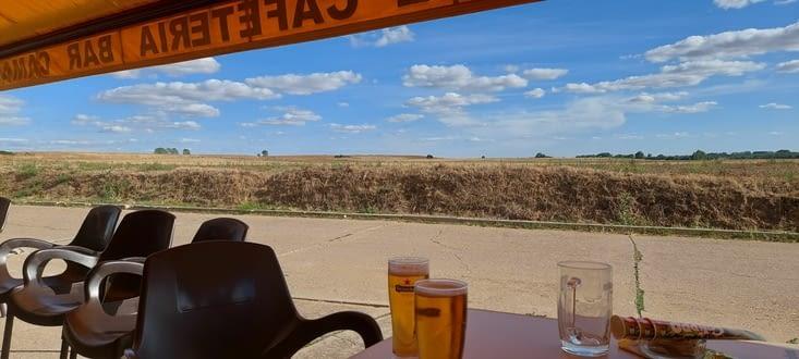 Enfin la bière d'arrivée! Pas loin de 16.30.... Longue mais riche journée