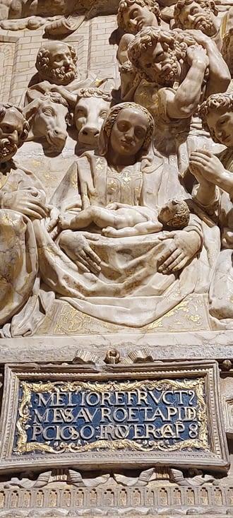Plein de détails dans les sculptures