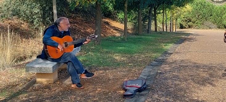 Quelques km plus loin, un autre nous offre sa musique