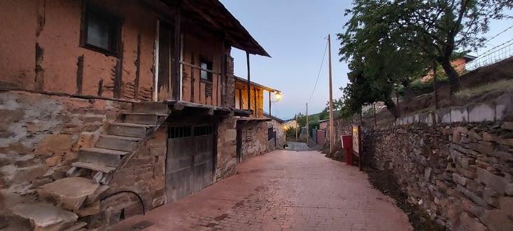 Des jolis villages.... tantôt ambiance 'de chez nous'