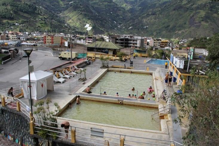 Les piscines de la vierge (eaux chaudes provenant du volcan)
