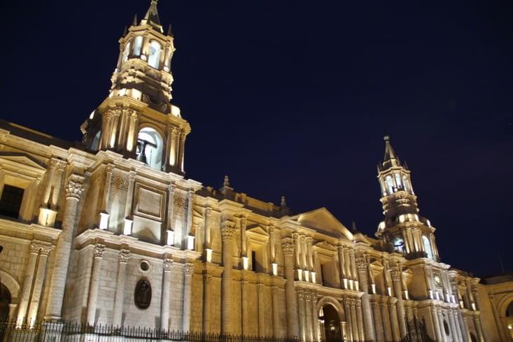 La cathédrale de nuit