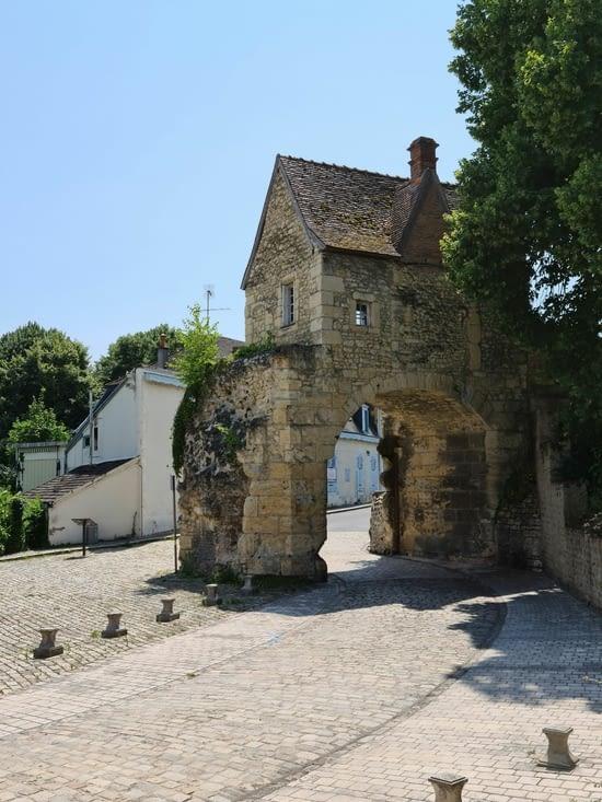 À proximité de la Porte du Croux