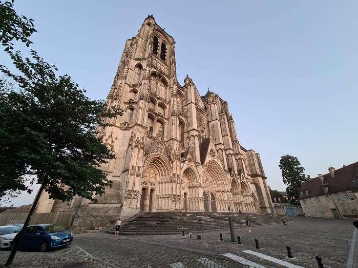 L'immensité de la cathédrale 😳