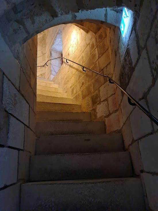 La montée dans la Tour Saint-Nicolas