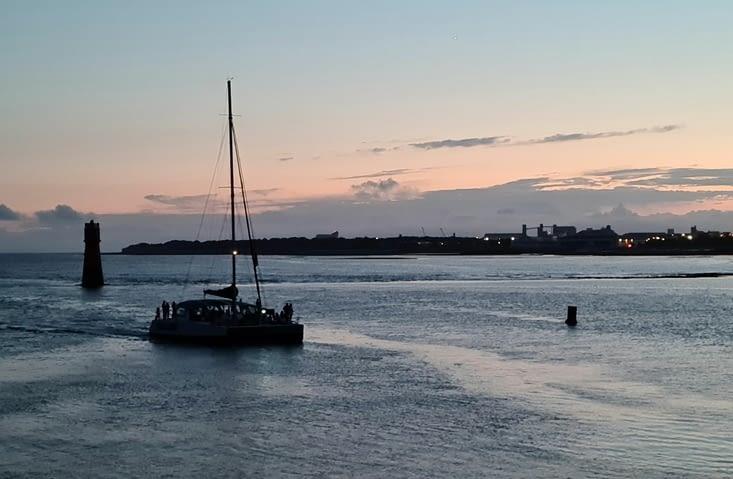 Rentrée au Vieux-Port à marée basse
