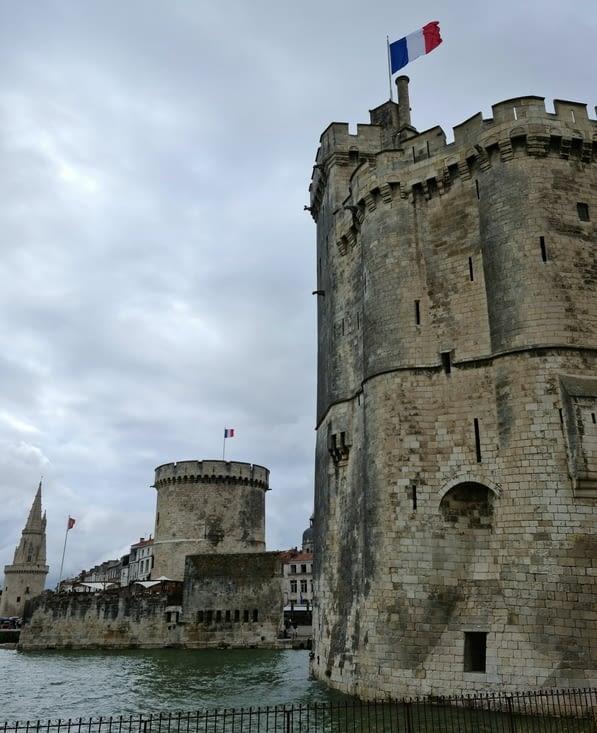 Tours de La Rochelle : de droite à gauche, Saint-Nicolas, la Chaîne et la Lanterne