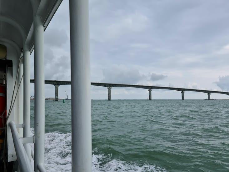 Le Pont de Ré depuis le bateau