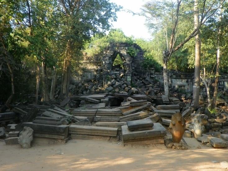 temple tomb raider