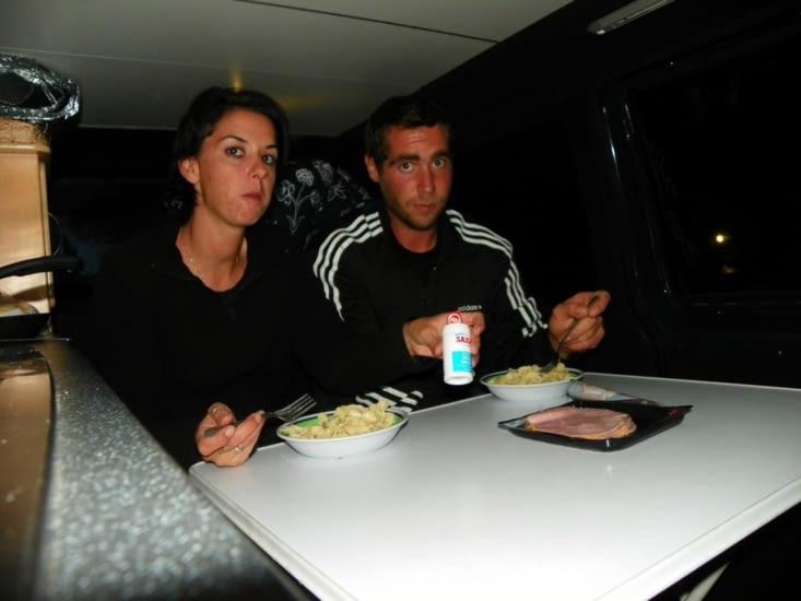repas a bord de notre van !