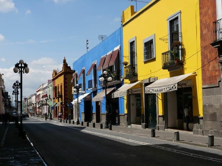 Rue colorée de Puebla