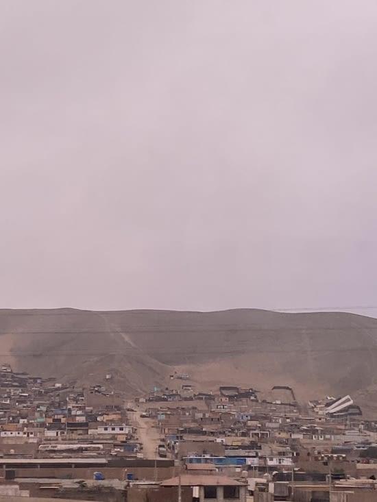 On quitte Lima et ce ciel gris à 16h le 10 octobre!!