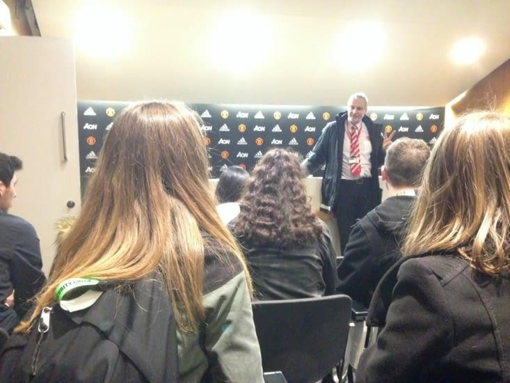Le guide nous explique le fonctionnement des coulisses du stade