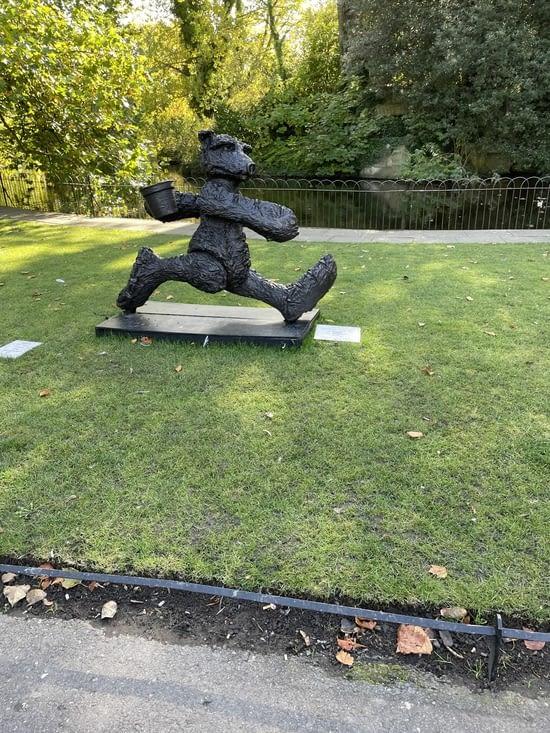 Une autre statue