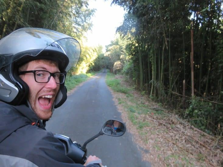 La veille de partir, on traverse enfin une forêt de bambou ( et pas des buissons comme precedemment), un symbole qu'on ne voulait pas louper.