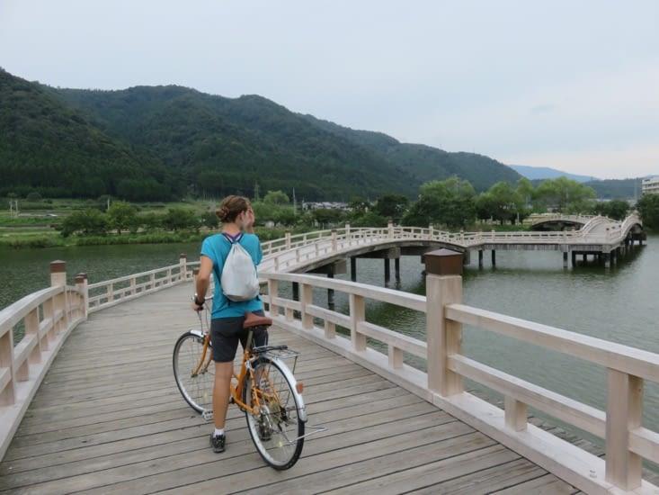 Sur un mama-chan (vélo basique), avant Takashima.