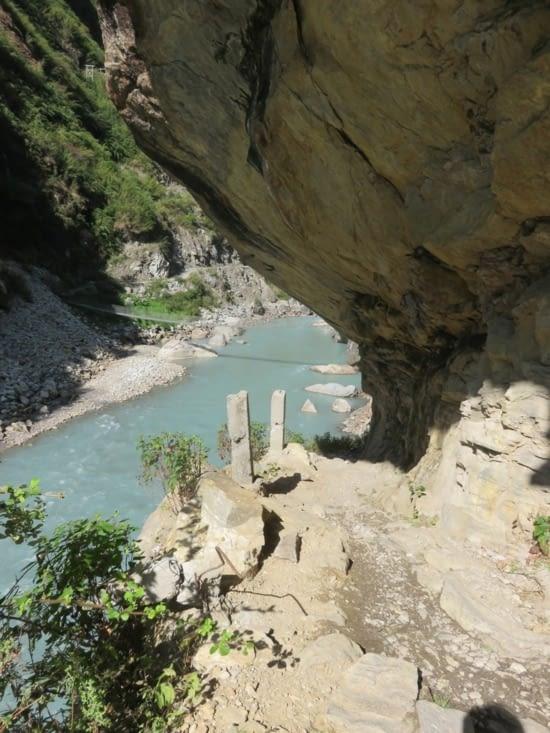 Un pont nepalais parmis tant d'autres. Enfin, c'est toujours beau.