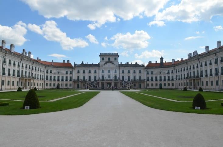 Palais Hesterhazy (Fertöd), style rococo