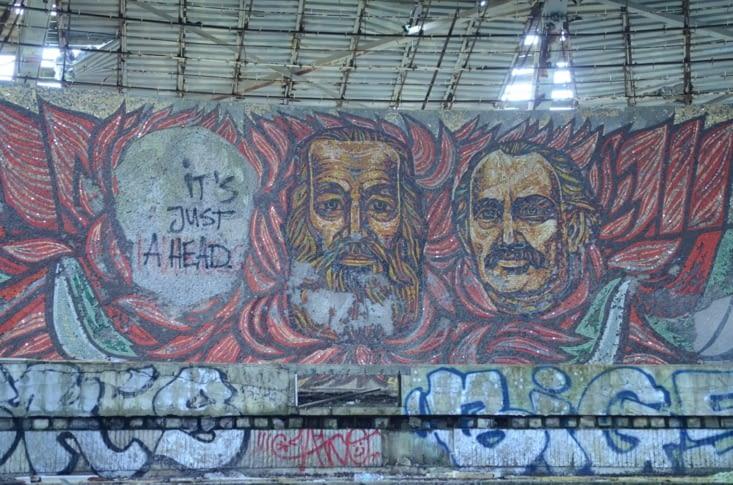 Fresque de mozaïque, staline, etc...