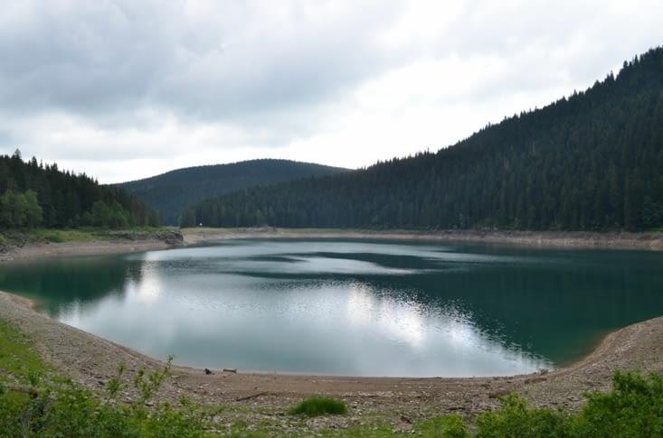 Ta Gueule (The Small Black Lake)