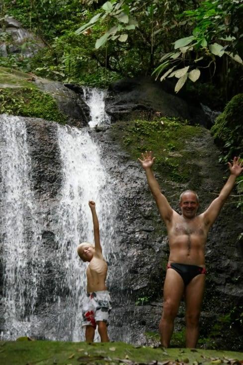 Greystoke : baignade dans la cascade
