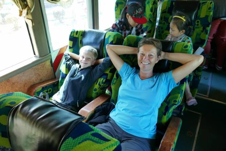 """Bus confortable et déco """"Désigual"""""""