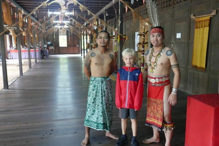 dans un village culturel proche de Kuching