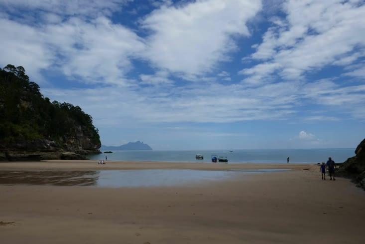 une plage au milieu de nulle part