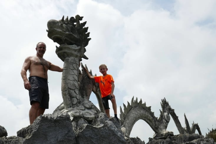 Nous avons vaincu le dragon qui gardait le temple
