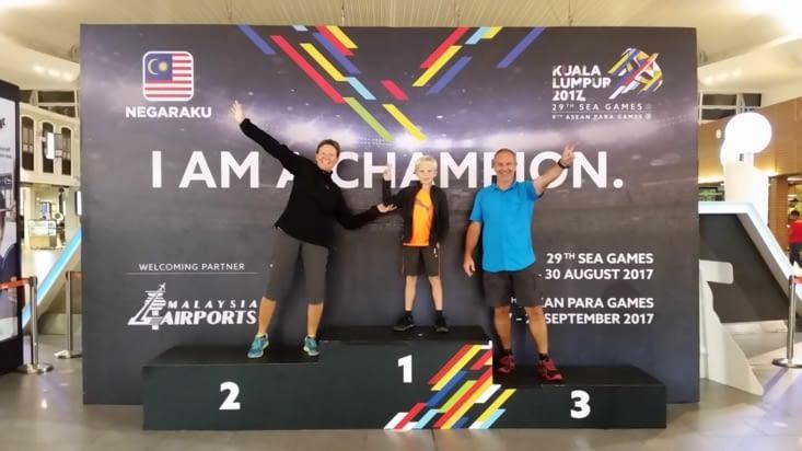 Un podium des jeux d'Asie dans l'aéroport de Kuala Lumpur
