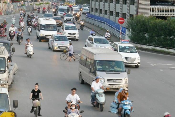 Le vélo en plein milieu, vous le voyez ?