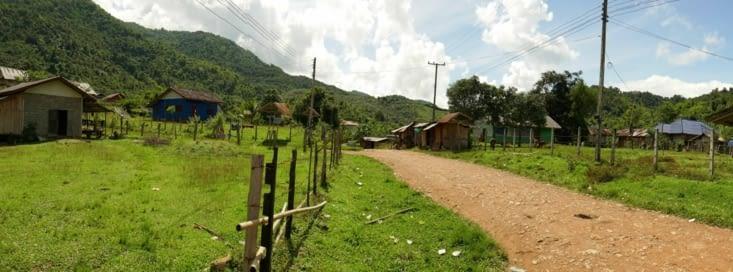 Arrivée dans un village retiré