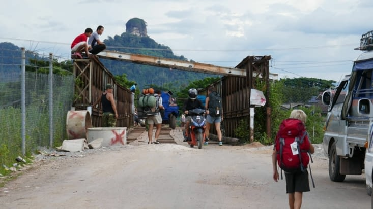 Passage du pont à pied