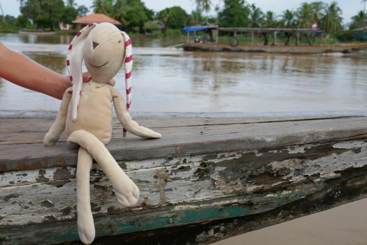 doudou se baigne dans le Mekong