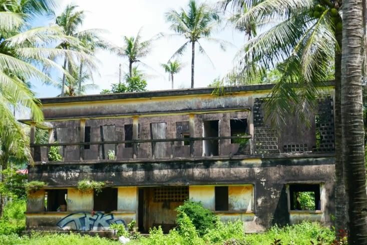 A Kep, une demeure après le saccage des Khmers rouges